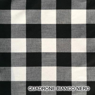 quadrone grigio nero